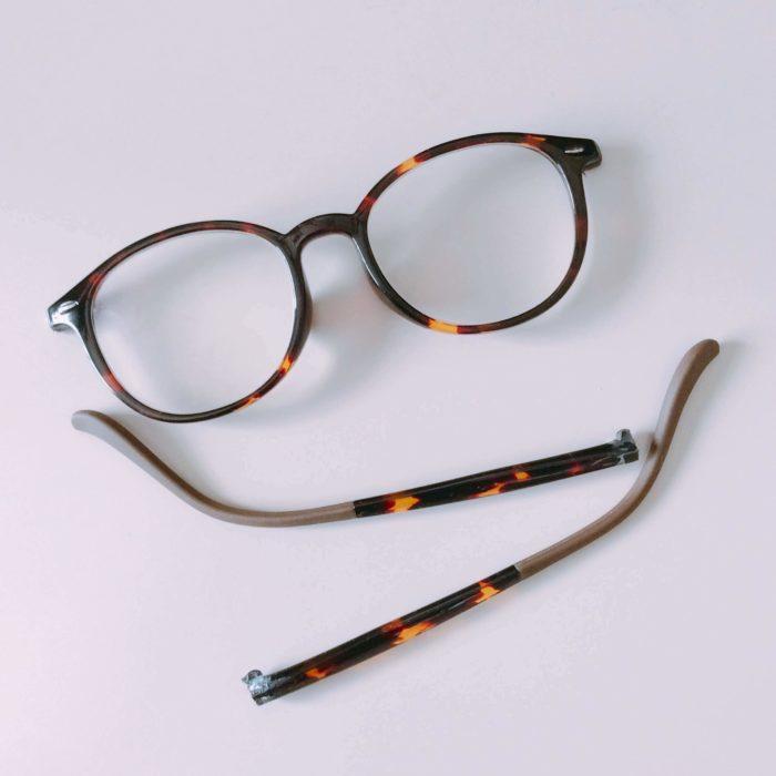 家族のメガネがバラバラ、実は2回目の修理です。
