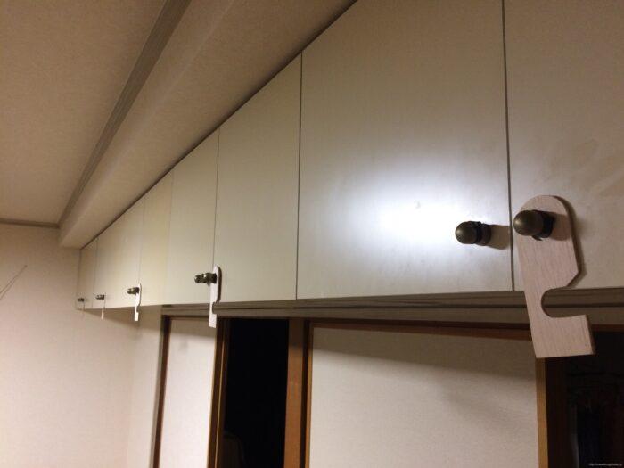 自作した扉ストッパーの開放状態
